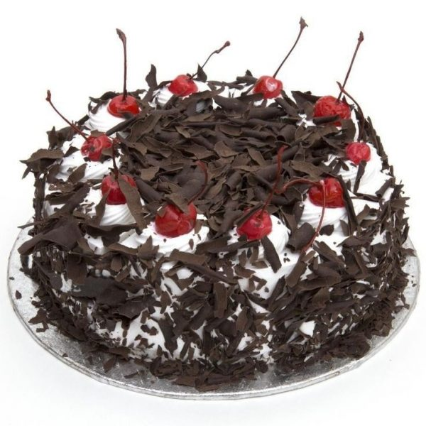 black forest cake fresh cream and chocochips2
