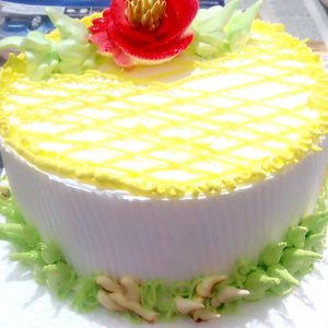 Painaple cake with fresh cream