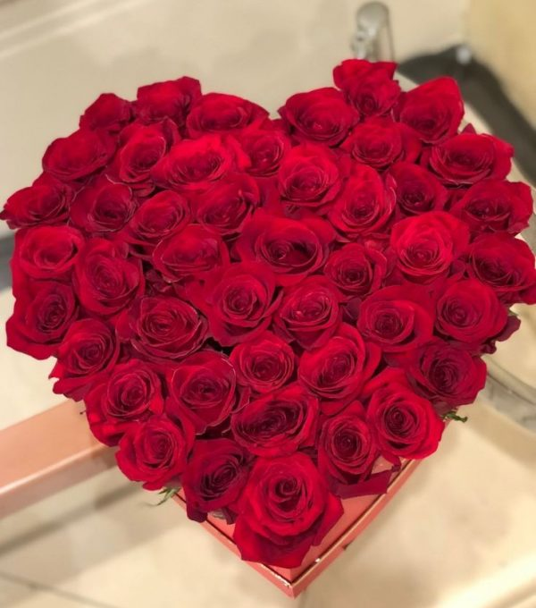 Red roses heart 50 roses-1699