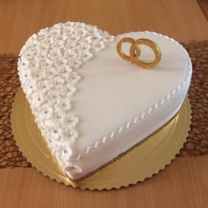 Special ring heart shape cake